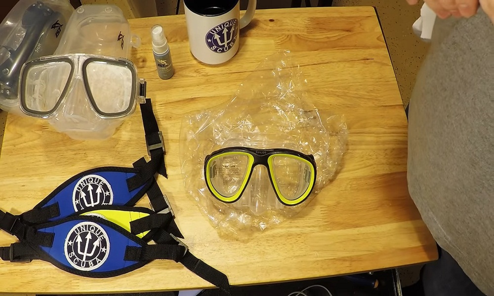 How to Clean Snorkel Mask